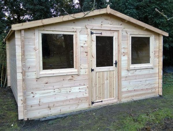 13 x 13 log cabin