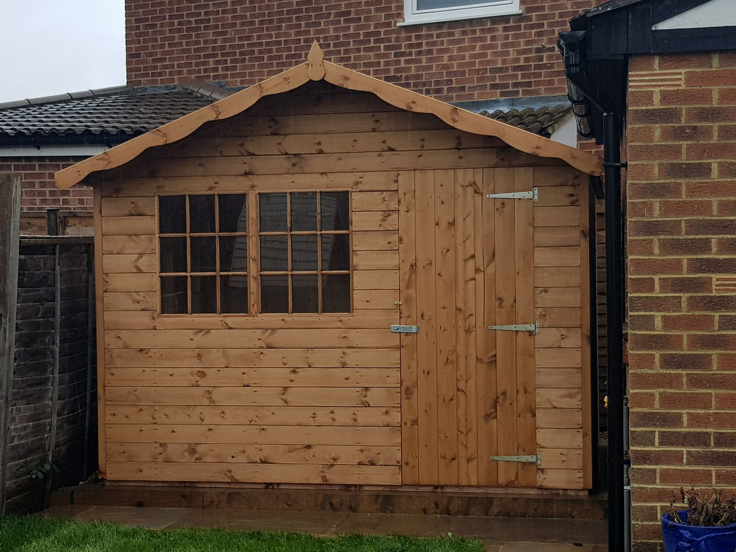 10 x 8 cabin style garden shed